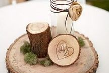 Winter Woodland Wedding Ideas / Are you dreaming of a Winter woodland wedding? You'll find lots of rustic wedding decorations and details for your big day.