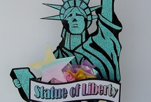 New York Party Decorations / Icons and locations in New York made into party centerpieces and signs.