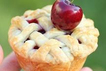 Food - Pie/Tarts / by Michelle Furneaux