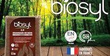Granulés de bois / Les granulés de bois 'Biosyl 5.0' se distinguent des autres types de granulés de bois. Constitués de 60% de feuillus et seulement 40% de résineux. Le feuillus présente l'avantage de ne pas boucher les moteurs et les échangeurs de chaleur de votre poêle, contrairement aux résineux.