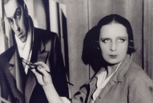 Self-portraits, portraits and photos of famous artists
