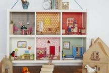 Modern Dollhouses / The dollhouses and their interiors from the middle 900's to the present day