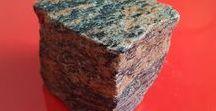 Frostbeständige Pflastersteine - Würfel / Pflastersteine aus Polen und Schweden / B&M GRANITY–Hersteller von Pflastersteinen aus frostbeständigen polnischen und schwedischen Natursteinen (Granit, Sandstein, Syenit, Gneis),diverse Farben und Varianten