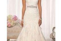 Wedding Dresses / by Edith Mnz