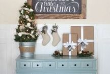 To Decorate ~ Foyer & Exterior Entry / Seasonal decor ideas for foyer and outside entry
