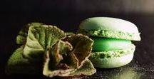 Macarons ~ Patisserie / Leckere Doppelkekse, Französisches Mandel Baisergebäck, leidenschaftlich bunt