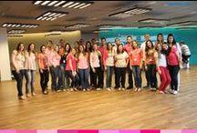 Outubro Rosa / Esse é o pessoal do escritório de São Paulo! Todo mundo apoiando o Outubro Rosa :)