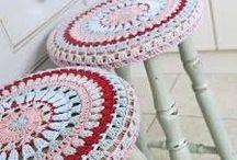 Woonaccessoires haken en breien / Allerlei pins die je inspireren om je huis op te leuken met eigen gemaakte woonaccessoires