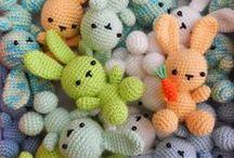 Háčkovaná zvířátka / pro děti milé originální hračky