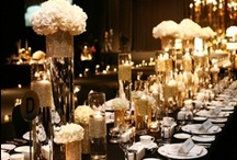Tablescapes we LOVE / Charger Plates, sculptural and elevated centerpieces, elaborate Linens, beautiful stationery, detailed favors...When combined, all of these seemingly small things, contribute to make a gorgeous tablescape - it's all in the details!