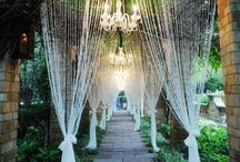 Entrances / Make your guest's first peek into your wedding absolutely unforgettable - first impressions are the strongest!