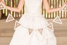 Bunting & Garlands ~ Wedding Trend / Buntings and garland can be a fantastic vintage touch or a cute detail at any event!
