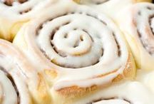 Cinnamon Rolls / So many cinnamon rolls, so little time!