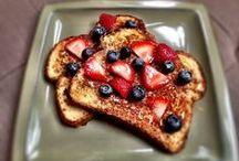 Healthy Breakfast Ideas / by Toni Gallagher