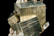 Kristalle / ungeschliffene Minerale