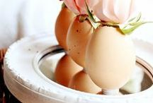 EASTER / Holiday ideas, recipes, Spring styling tips, and DIY for Easter Celebrations!