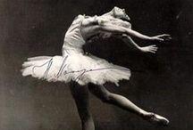 Wonderful Historic Dancers