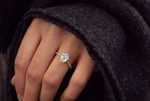 Engagement Rings / Bling bling or sweet and elegant, the rock is the first important detail before the big day