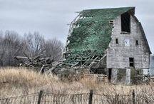 Barns / Love those barns! / by Jymie Hawley