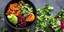 Clean Eating: Rezepte und mehr / Clean Eating - Eine Ernährungsform, die dich zurück zur Natur führt, weit weg von künstlichen Zusatzstoffen. Wir kochen alles frisch und verzichten auf verarbeitete Lebensmittel und Fertigprodukte!