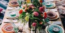 Boho Thanksgiving Table / WavHello Holiday Mom Hacks - Inspiration for setting your Thanksgiving table. Boho designs for hosting an eclectic and memorable holiday dinner with your family.