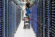 Rechenzentren von innen / Viele Server auf einmal wollen richtig versorgt werden, dazu braucht es gutes Kabelmanagement.