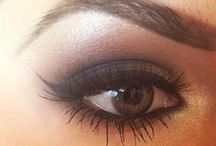 Makeup / by Liz Kurt