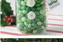 DIY Christmas gift ideas / DIY Do it yourself Christmas gift ideas.  Homemade Christmas presents are fun and easy.  These gift ideas are sure to be a favorite this holiday season!