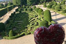 Le Coeur & le jardin d'André Le nôtre / Le jardin de l'Évêché est l'ancien jardin d'agrément du palais épiscopal de Castres. Construit à la fin du xviie siècle par André Le Nôtre, c'est un jardin à la française combinant des parterres en broderie de buis et à l'anglaise. Classé monument historique en 1995.