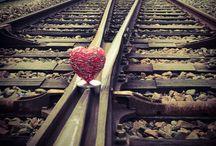 Le coeur & le passage à niveau ! / Le coeur est à l'intersection ferroviaire.