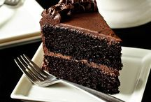 ❥ Chocolate Cake / The creamiest, dreamiest and chocolatiest of all cakes.