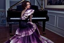 GORGEOUS GOWNS / by Sarah Stefek