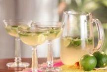 Drinks: Cocktails / by Jenna Kane