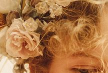 Flower bride - For bohemian and vintage brides and weddings / Flower weddings and floral brides. Flower decoration everywhere - perfect for a spring or summer wedding.