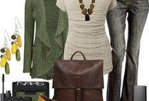 Fall Outfits / Modest clothing options that are trendy. Lots of layering for when you get hot in a heated room.