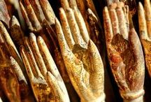 hands / painted hands, carved hands, typographic hands, engraved hands...