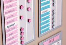 Organizzazione Casa / Cassetti pieni di cianfrusaglie e non riesci mai a trovare nulla? Tutto quello che serve per tenere una casa ben organizzata è qua!  declutter, decluttering, marie kondo, metodo konmari, metodo kondo, butto tutto, minimalismo, konmari checklist, gestione del tempo, time-management, routine giornaliera, vivere bene,  produttività, organizzazione, organizzazione casa, goal setting, lista di cose da fare, agenda,  goal, una vita ordinata, organizzare la vita, agende,  agenda, cartoleria