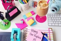 Spazi per lavorare / Ufficio in casa, scrivanie, spazi per studiare, produttività, organizzazione, bullet journal, freelancer, ambienti rilassanti, ambienti produttivi