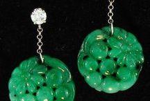 Nefrit-JADE / šperky-klenoty-náušnice,přívěsky,náhrdelníky,figurky,prsteny,náramky apod.