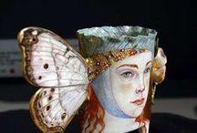 Irina Zaytceva / Rusko-Moskva- originál keramika,porcelán-šálky,konvice,dozy netradičních tvarů modelování-foto malba, ilustrace, originál keramika