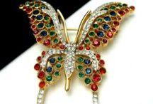 jewelry butterflies / Klenotů ve tvaru motýla,vážky z různých druhů materiálů- brože,přívěsky,náušnice,prsteny