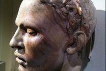 Christina CORDOVA / sochařka velkých figur,soch-pálená i glazovaná hlína- natural.pojetí,zkratky,fantazie--bysty,hlavy