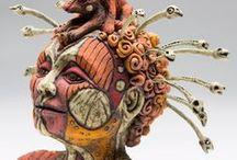 Julie WOODROW / keramička,sochařka figur,byst.váz,konvic,fontánek-desing-fantazie