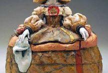 Kelly G. RATHBONE / keramička,sochařka-hlína barvená,galzovaná-porcelán-figury,bysty