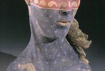 Beverly MAYERI / USA-sochařka,keramička-tváře,figury,hlavy-fantazie