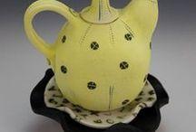 Laura PEERY-teapot / konvičky z keramiky,porcelánu,polymeru