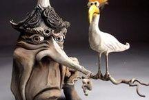 Mitchell GRAFTON / surrealistický-Art-  výtvarník-keramik-vázy,dozy,konvice,hrníčky, v podobě karikatur figur zvířat- lidské tváře-kombinace materiálů-