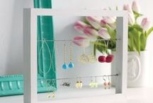 Pack it up... Jewellery Spaces / Too much jewellery & nowhere to store it? Check out some of these great DIY ideas