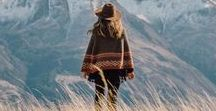 Der Berg ruft: Lifestyle / Was trägt der Bergliebhaber im Alltag? Ob mit dem Trend Urban Outdoor (Funktionskleidung für die Stadt) oder gemütlichem Bergschick, traditionellem modern interpretiert, Hauptsache ihr fühlt euch jeden Tag wohl und zeigt eure Persönlichkeit! Unsere Anregungen zu Schmuck Berge oder Outfit für jeden Tag findet ihr hier.