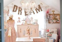 CяɛαтιƔɛ Cяαғт  Ꮢσσмѕ / mom cave Ideas <3 / by DKL  / A Vintage Charmer